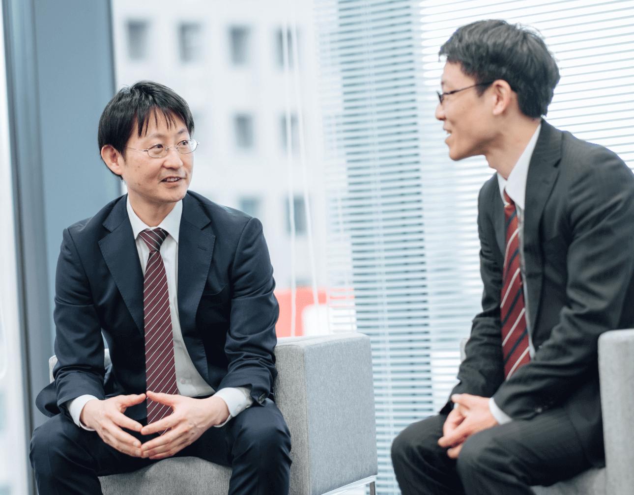 SIビジネス営業 マネージャー 小山さん / 開発部サブリーダー 西村さん
